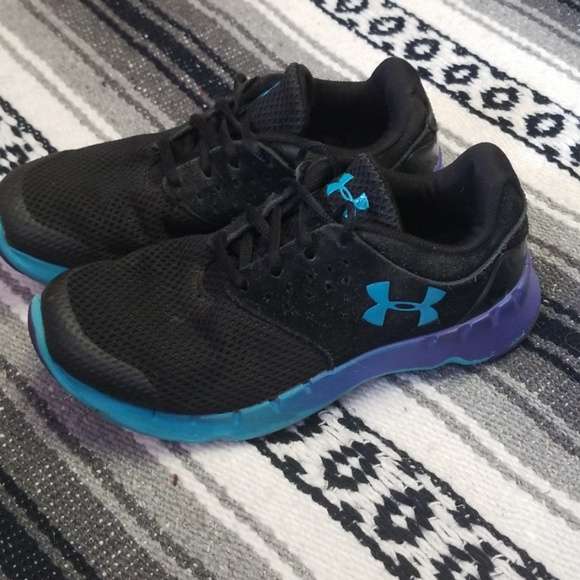 Under Armour Girls Shoes Sz